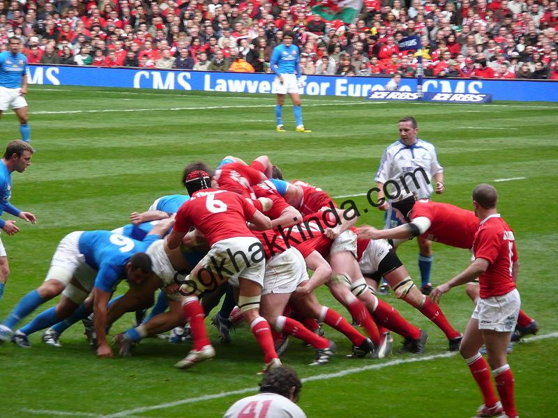 800px Italy vs Wales Six Nations rugby - Tom Brady Will Play for Patriots Through 2019