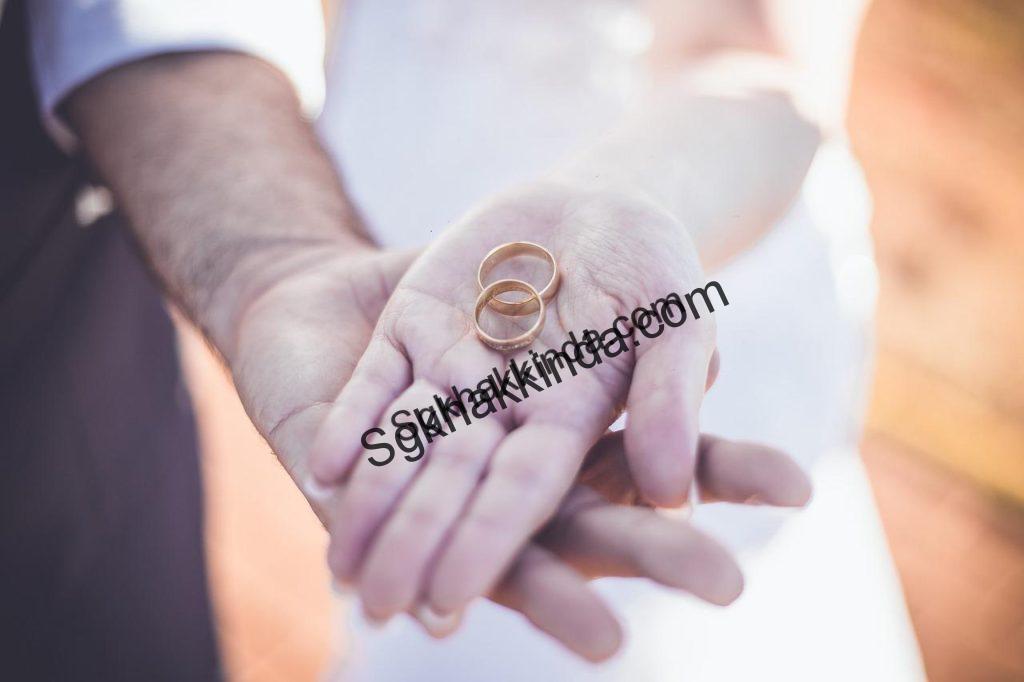 evlilik 1516002112 1024x682 - Evlilik nedeniyle işten ayrılan işsizlik maaşı alabilir mi?