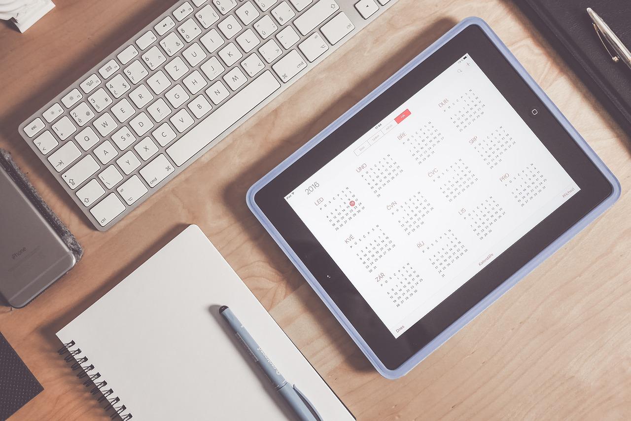 apple calendar desk device 1867752 - Yeni iş arama izni ücreti nasıl hesaplanır?